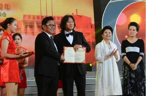 作曲家,《春天的故事》作曲者王佑贵,中央音乐学院教授李小兵.